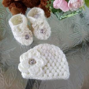 Handmade baby set